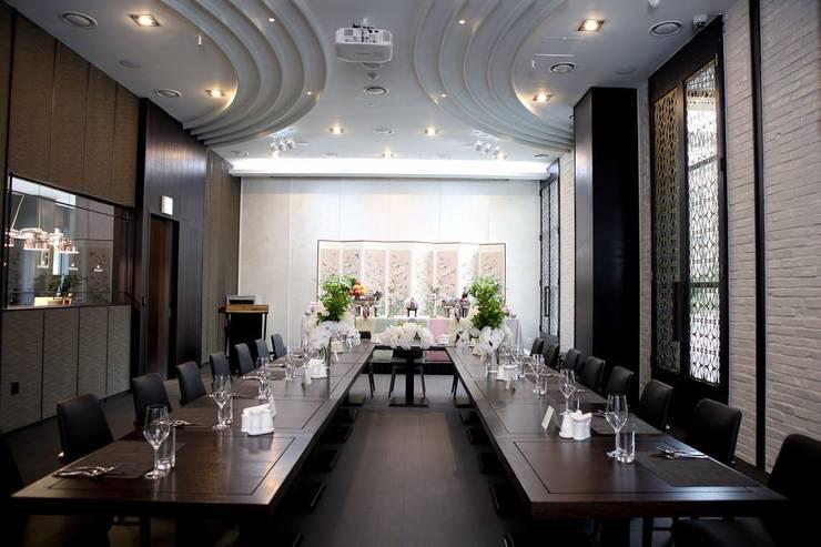 Banquet-room: 피투엔디자인  _____  p to n design의  호텔,모던