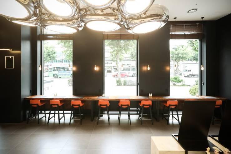 Hall: 피투엔디자인  _____  p to n design의  호텔,모던