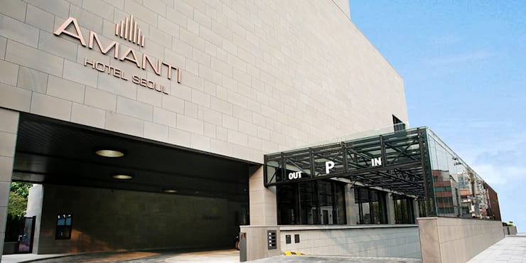 1F Rear Entrance: 피투엔디자인  _____  p to n design의  호텔,