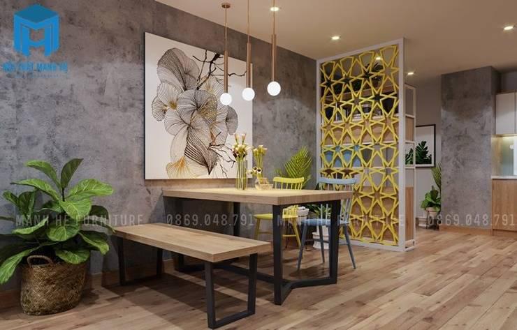 Đèn treo trang trí và tranh nghệ thuật trở thành điềm nhấn trong không gian bếp:  Phòng ăn by Công ty TNHH Nội Thất Mạnh Hệ
