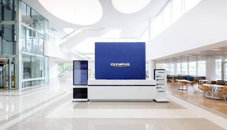OLYMPUS Korea-Tec Center, Songdo.: 피투엔디자인  _____  p to n design의  클리닉,