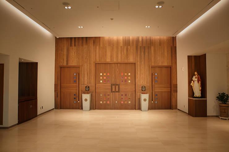 Main Entrance: 피투엔디자인  _____  p to n design의  행사장,