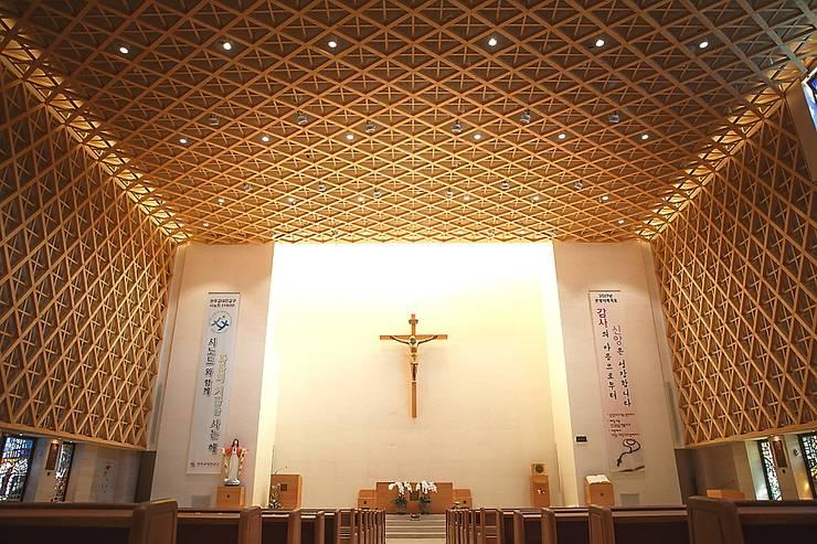 Catholic Church: 피투엔디자인  _____  p to n design의  행사장,