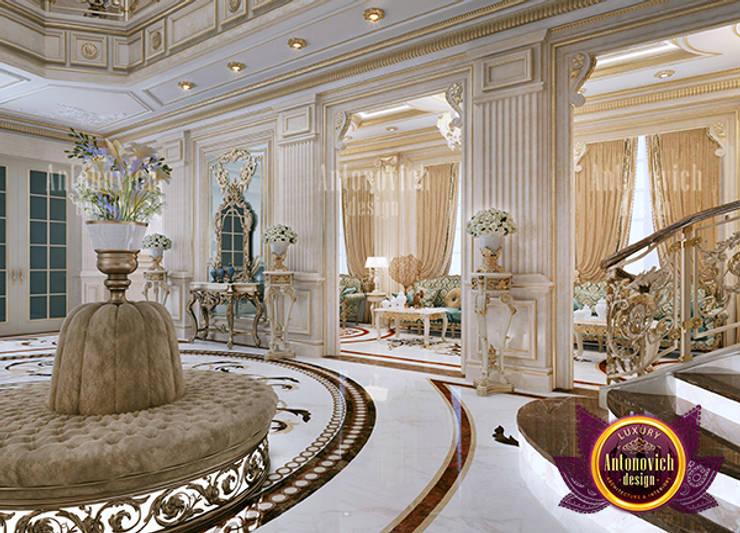 Fine Fancy Hall Interior:   by Luxury Antonovich Design,