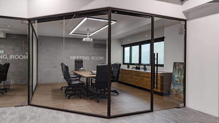 辦公室設計規劃:  書房/辦公室 by NO5WorkRoom