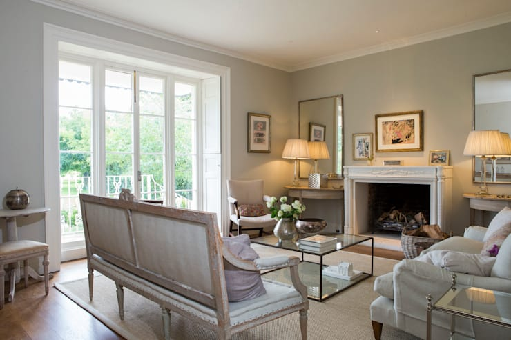 Living room by CLPM Ltd Construction Project Consultancy