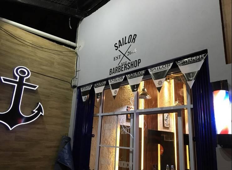 Sailor Barbershop:  Ruang Komersial by Equator.Architect