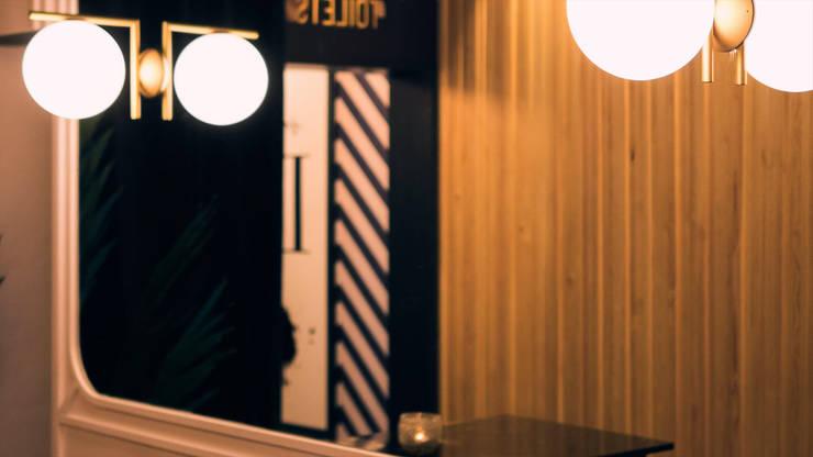 Bars & clubs by UNO iluminación, Tropical