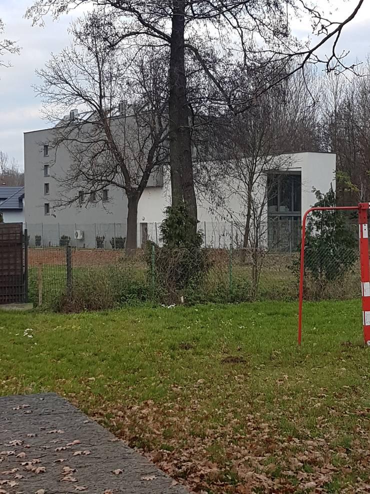 Single family home by Budownictwo i Architektura Marcin Sieradzki - BIAMS