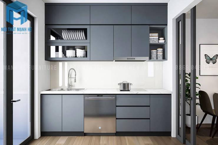 Hệ thống tủ bếp sang trọng:  Nhà bếp by Công ty TNHH Nội Thất Mạnh Hệ