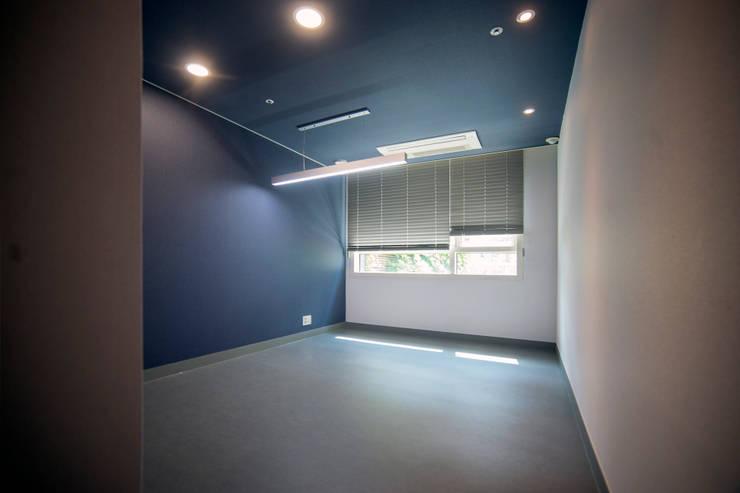 [주거] 송도그린애비뉴: 제시카디자인그룹 의  방
