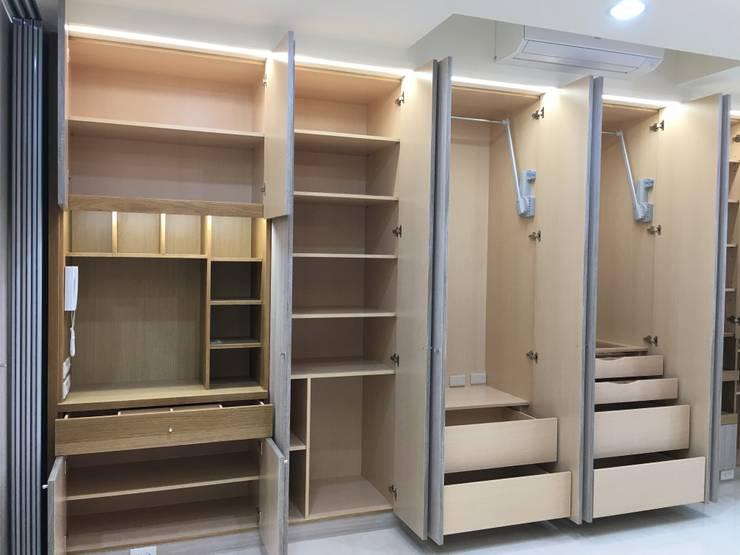 臥室-衣櫥:  小臥室 by houseda