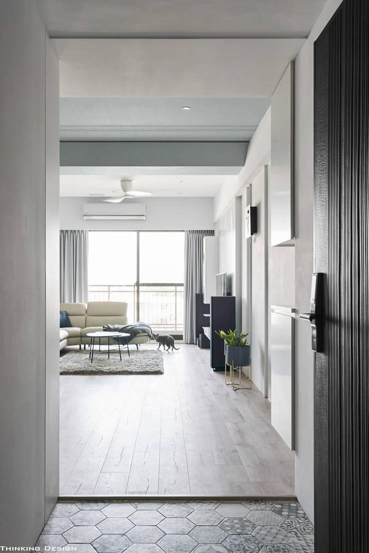 Koridor dan lorong oleh 思維空間設計  , Minimalis
