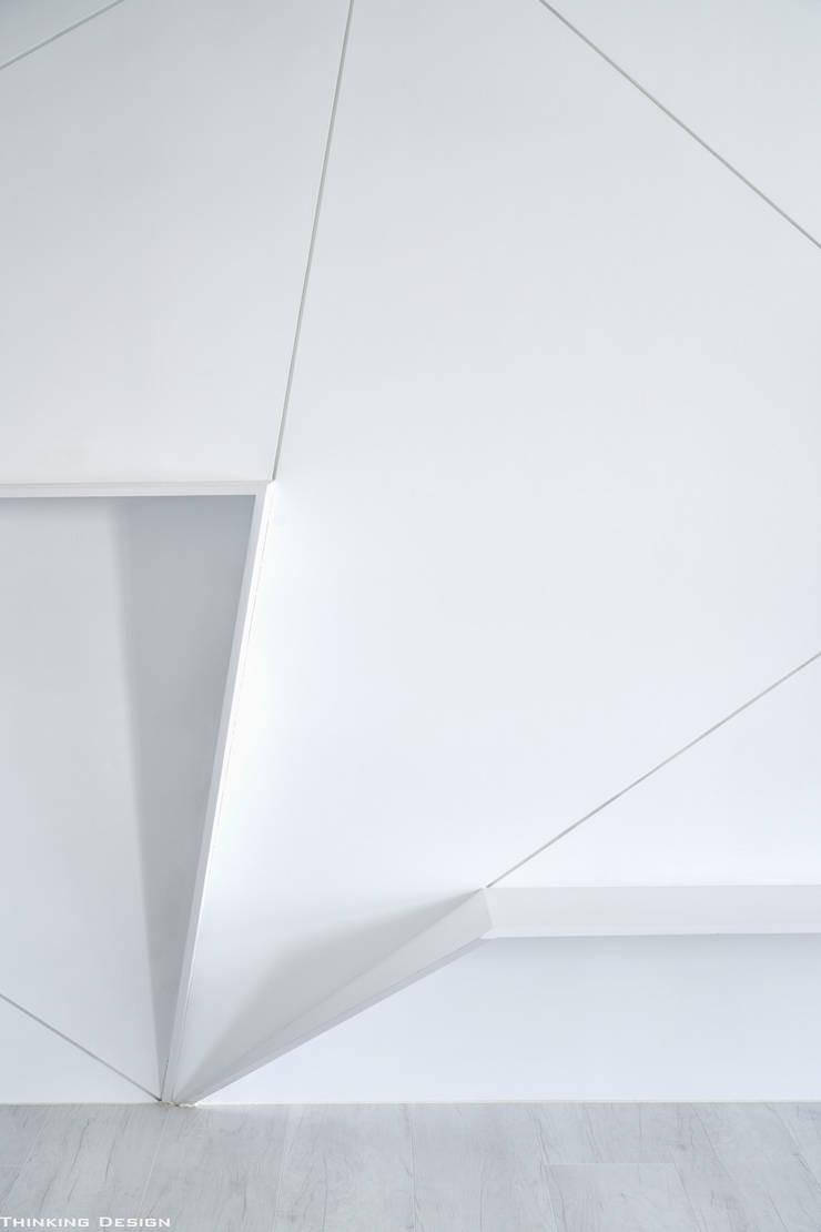 沐白:  牆面 by 思維空間設計