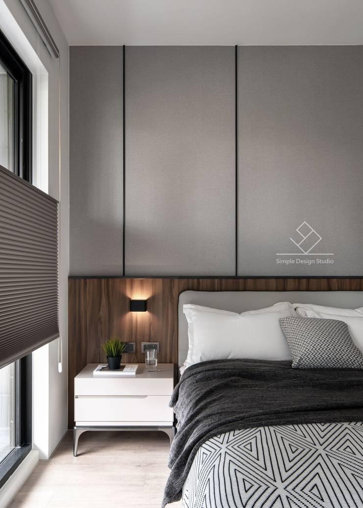 主臥床頭設計:  臥室 by 極簡室內設計 Simple Design Studio