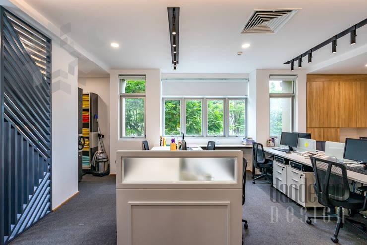 Thiết kế thi công nội thất văn phòng (V3):  Văn phòng & cửa hàng by Dandelion Design Construction