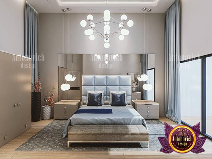 Rich Contemporary Bedroom Design:   by Luxury Antonovich Design