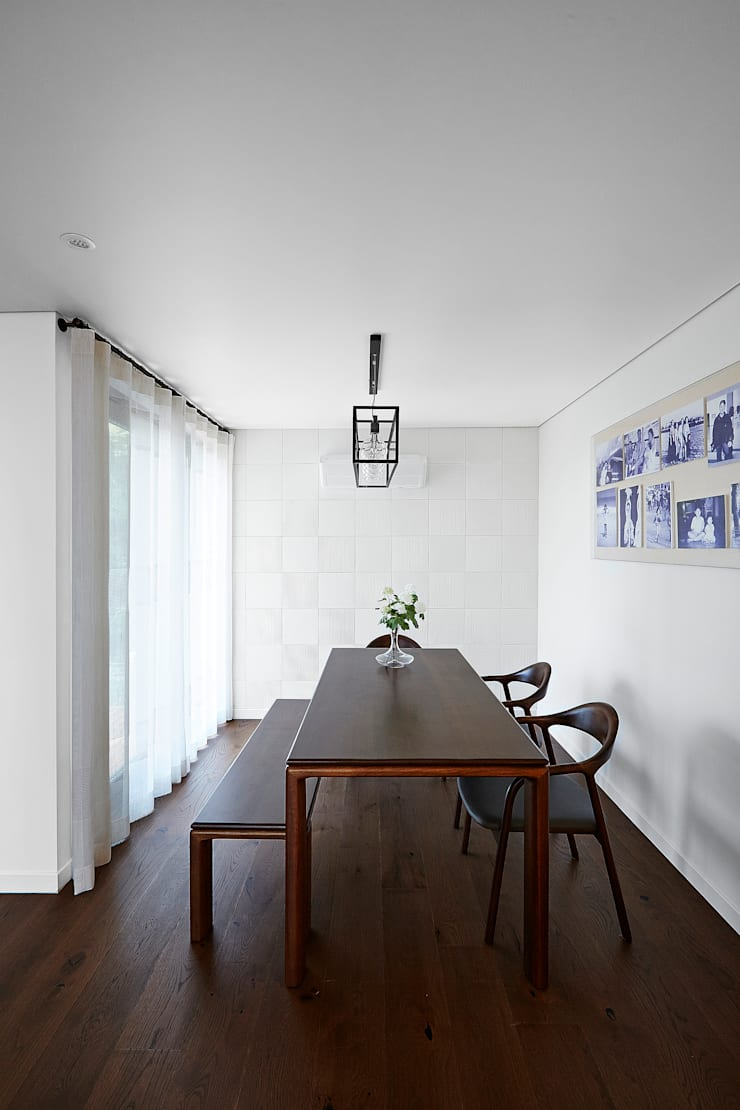 HOUSE 내부: AVANT DESIGN GROUP의