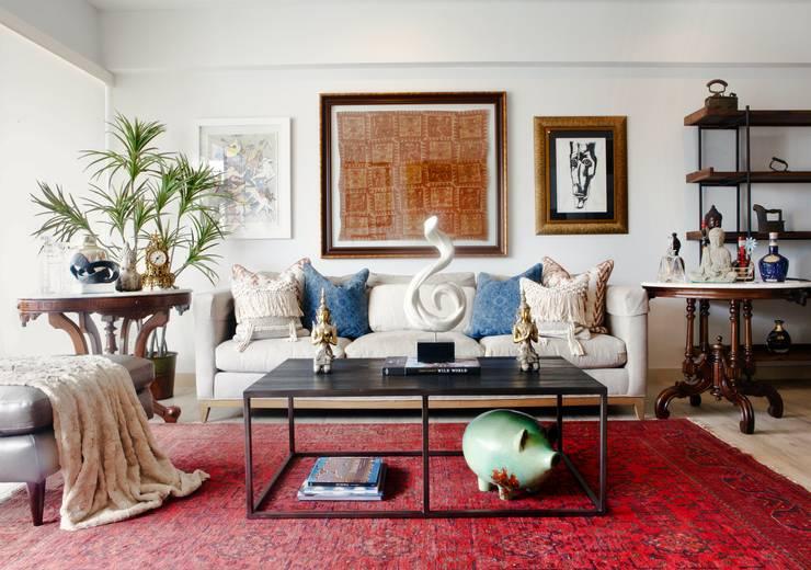 ARTE Y COLOR: Salas / recibidores de estilo  por KEVIN MENDIZÁBAL