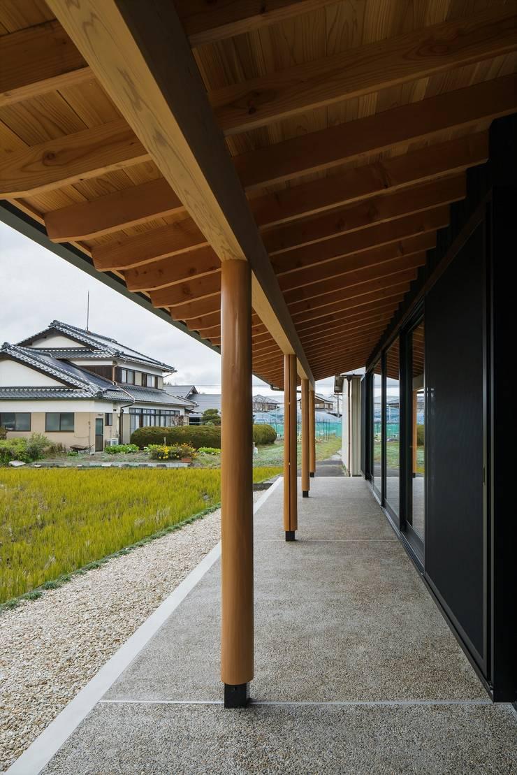 Balcon, Veranda & Terrasse asiatiques par ALTS DESIGN OFFICE Asiatique