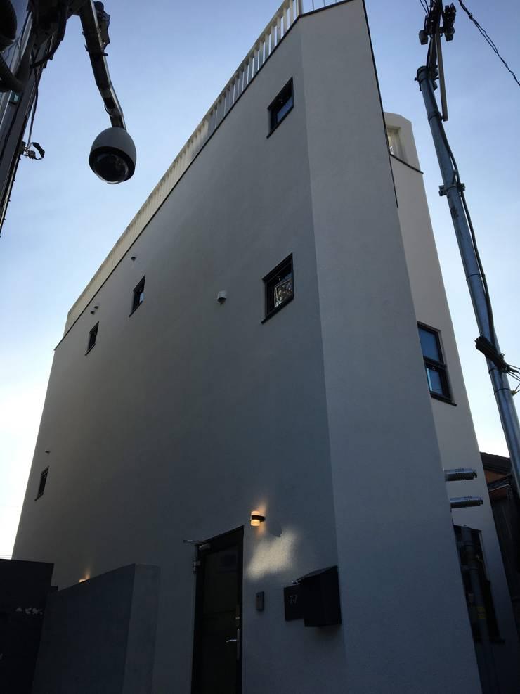 필운동 단독주택(협소주택) 서랍: (주)건축사사무소 더함 / ThEPLus Architects의  주택,