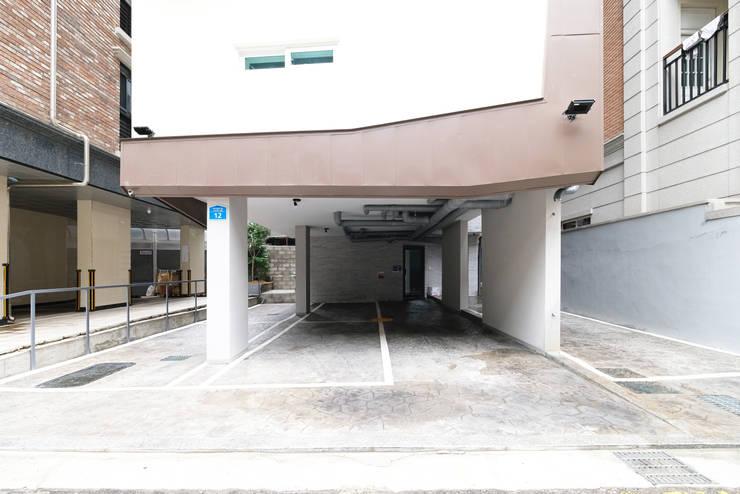 Garage/shed by 오파드 건축연구소