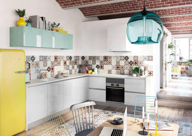 Cocina de estilo  por TPC Instalación de cocinas en Parets del Vallès