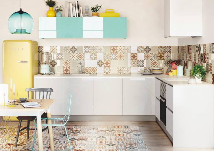 Crystal Blanco y Aguamarina:  de estilo  de TPC Instalación de cocinas en Parets del Vallès, Moderno