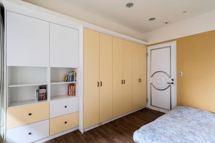 女孩房-:  小臥室 by 鼎士達室內裝修企劃