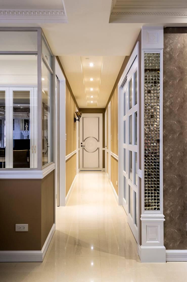 廊道多元素搭配:  走廊 & 玄關 by 鼎士達室內裝修企劃