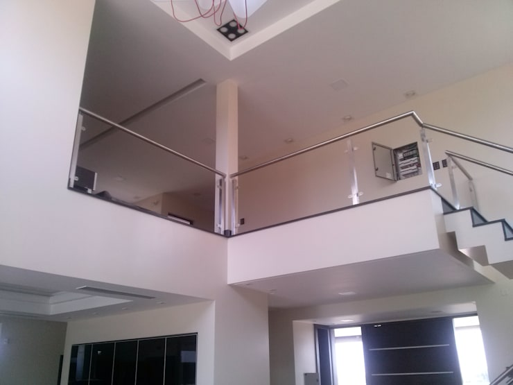 Vivienda en Urbanizacion Privada  – Yerba Buena Tucuman: Livings de estilo  por Alejandro Acevedo - Arquitectura