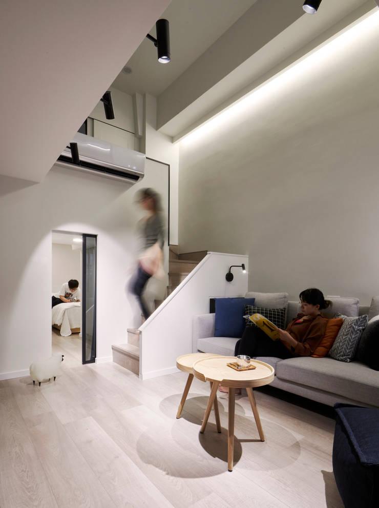 晃影浮雲:  地板 by 耀昀創意設計有限公司/Alfonso Ideas