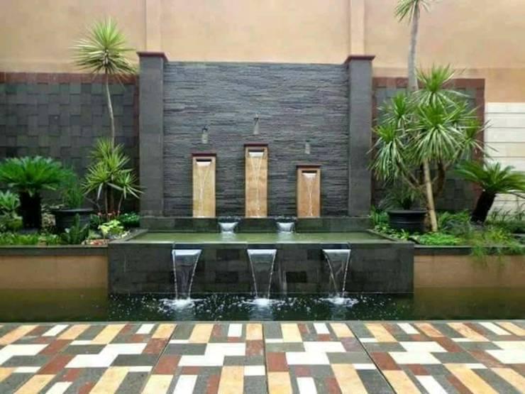 TUKANG KOLAM MINIMALIS:  Dinding by Tukang Taman Surabaya - Tianggadha-art