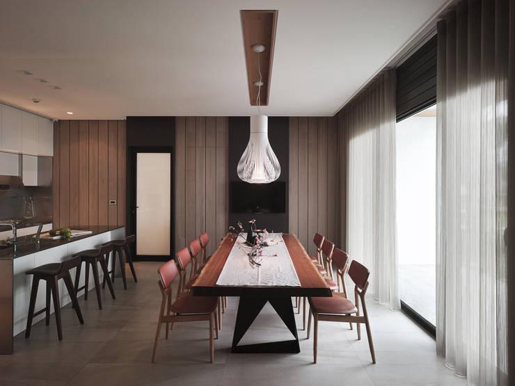 誠泰大院_框景之家:  餐廳 by 形構設計 Morpho-Design