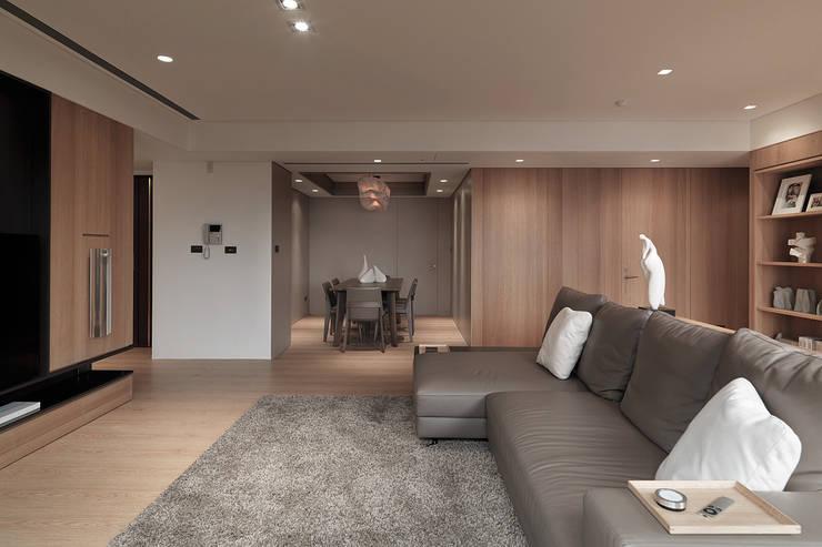 FRAME:  客廳 by 形構設計 Morpho-Design