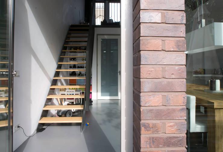 Herenhuis:  Trap door TEKTON architekten,