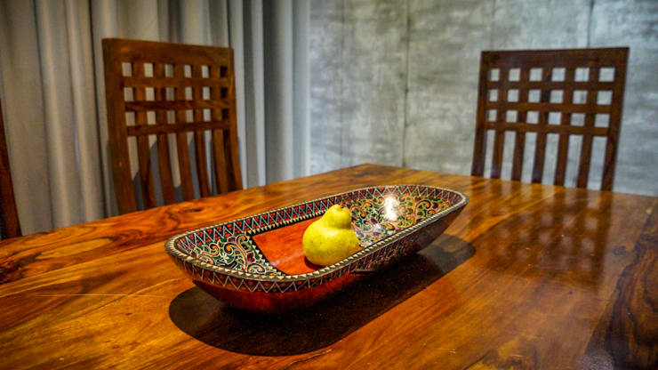 PROPOSED APARTMENT INTERIOR AT KONDHWA, PUNE. :  Dining room by DESIGN EVOLUTION LAB,Modern