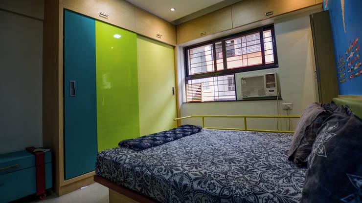 PROPOSED APARTMENT INTERIOR AT KONDHWA, PUNE. :  Bedroom by DESIGN EVOLUTION LAB,Modern