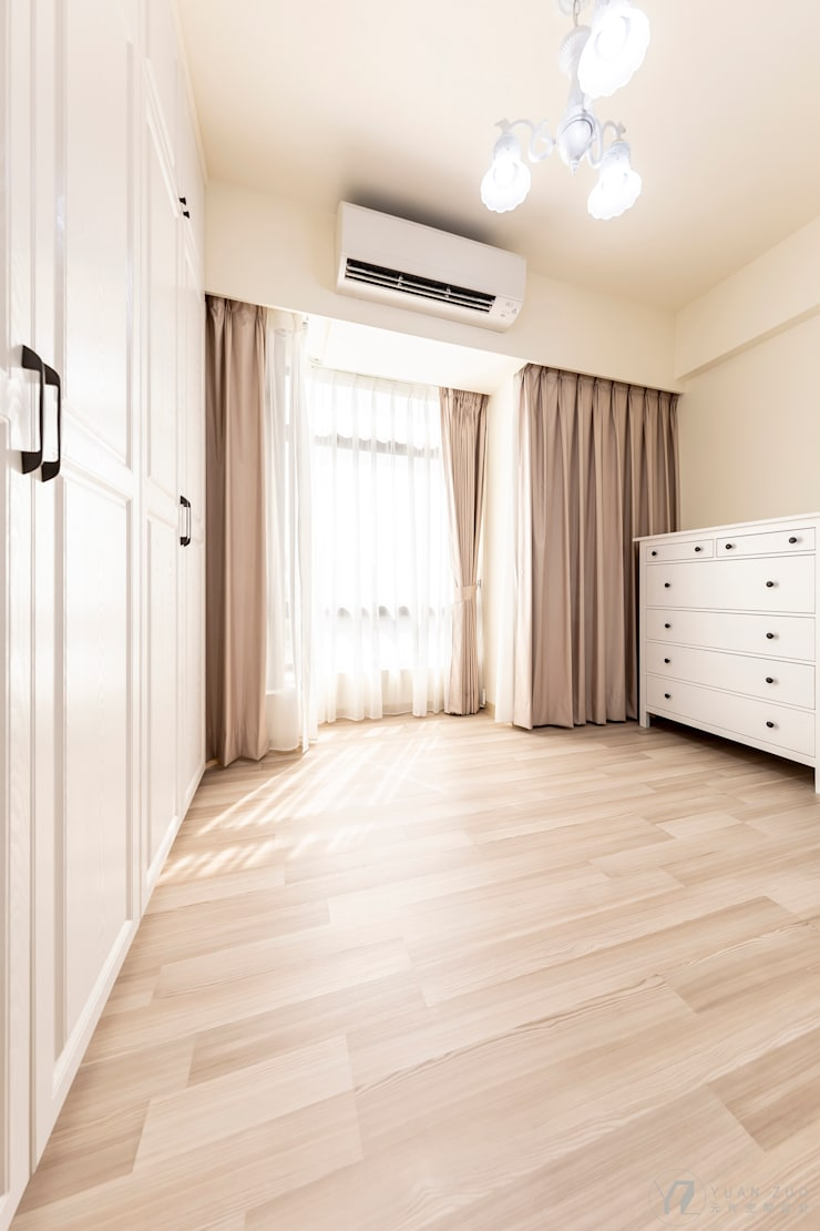 CAI House:  更衣室 by 元作空間設計