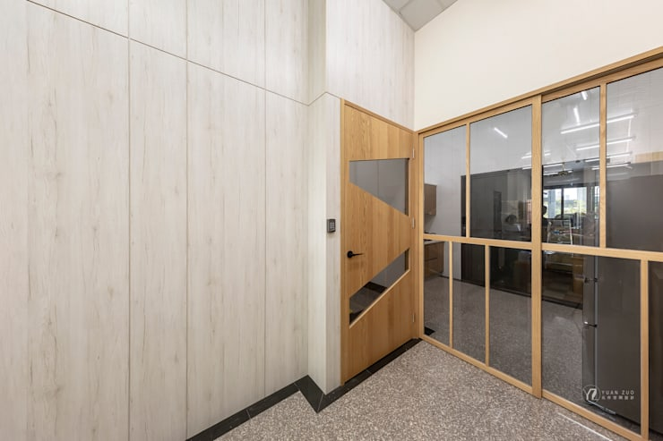 CAI House:  門 by 元作空間設計