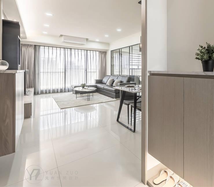JIAN House:  走廊 & 玄關 by 元作空間設計