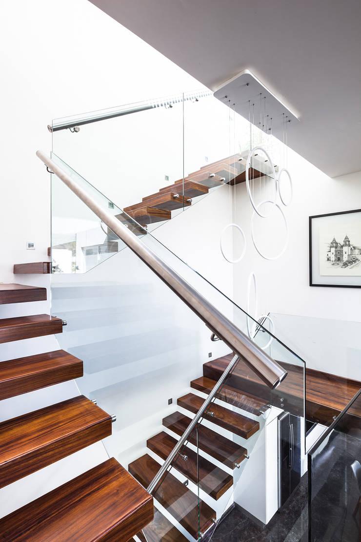 Escalier de style  par 21arquitectos,