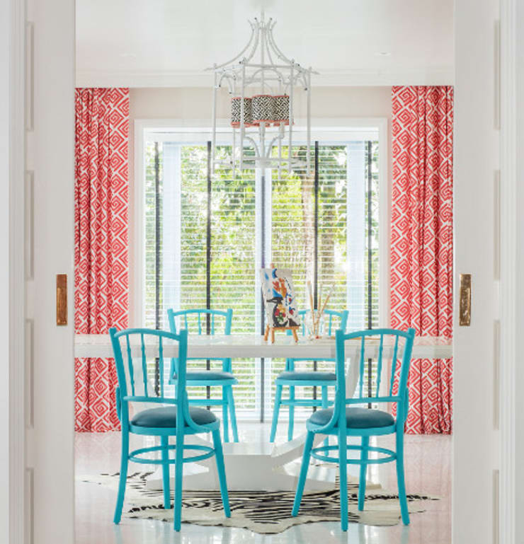Coral curtains in Dining Area Minimalist dining room by Design Intervention Minimalist
