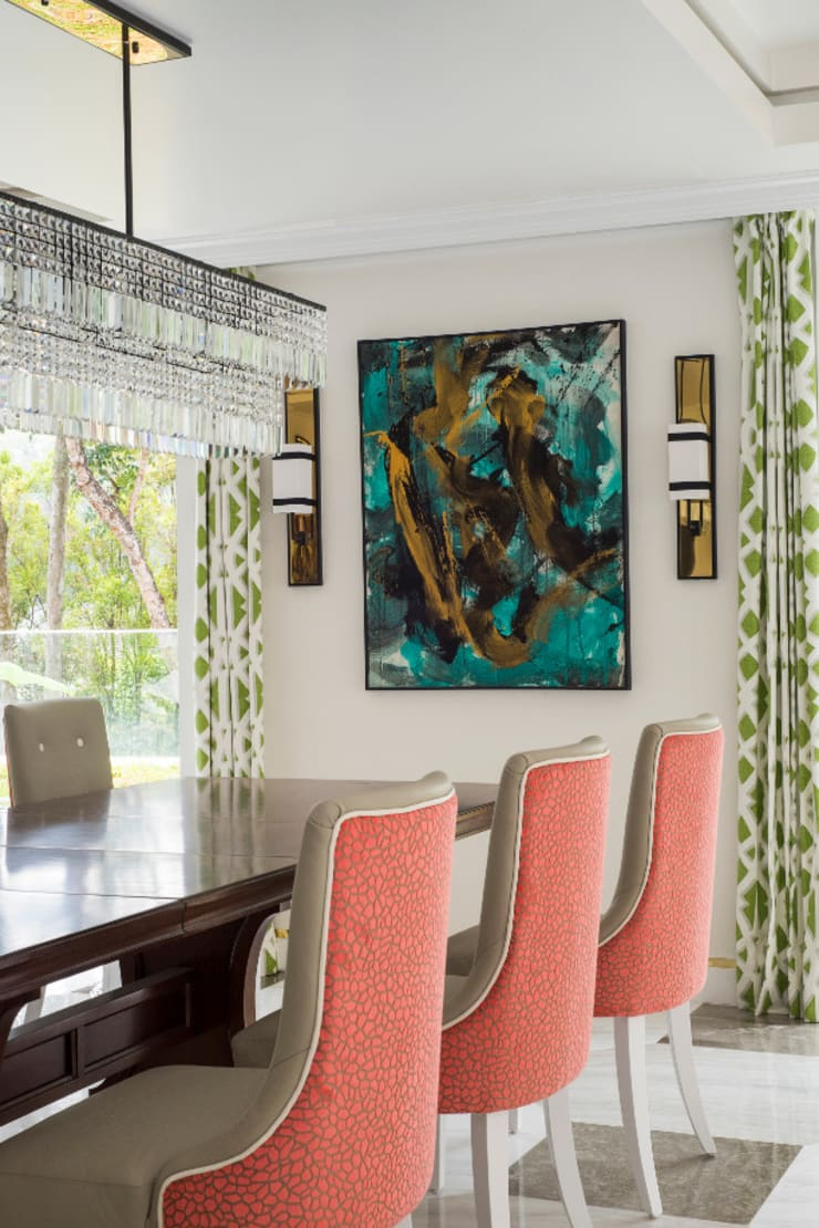 Coral Dining Area Modern dining room by Design Intervention Modern