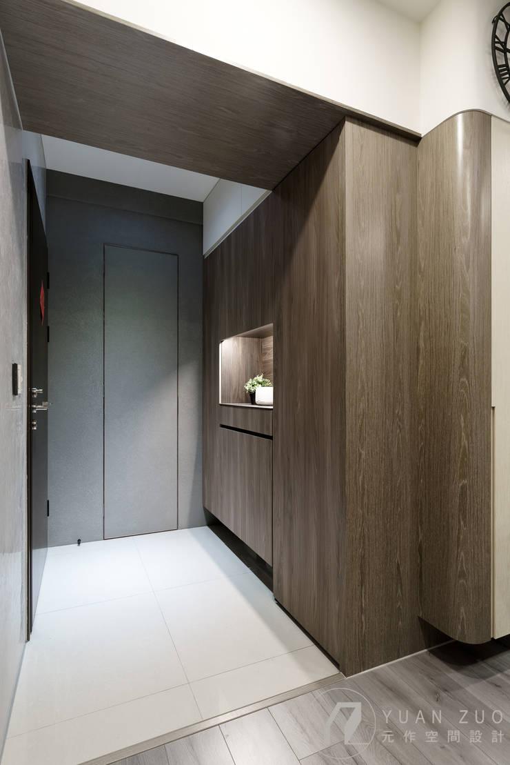 CHEN House:  走廊 & 玄關 by 元作空間設計