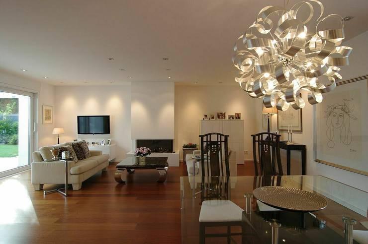 Wohnraum:  Wohnzimmer von schüller.innenarchitektur