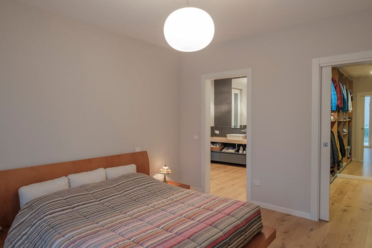 VILLE COLOMBERA – FINITURE ed INTERIOR DESIGN, Contemporaneo/Moderno 2.0: Camera da letto in stile  di 2P COSTRUZIONI srl,