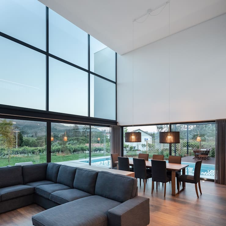 Living room by Tiago do Vale Arquitectos, Modern Wood Wood effect
