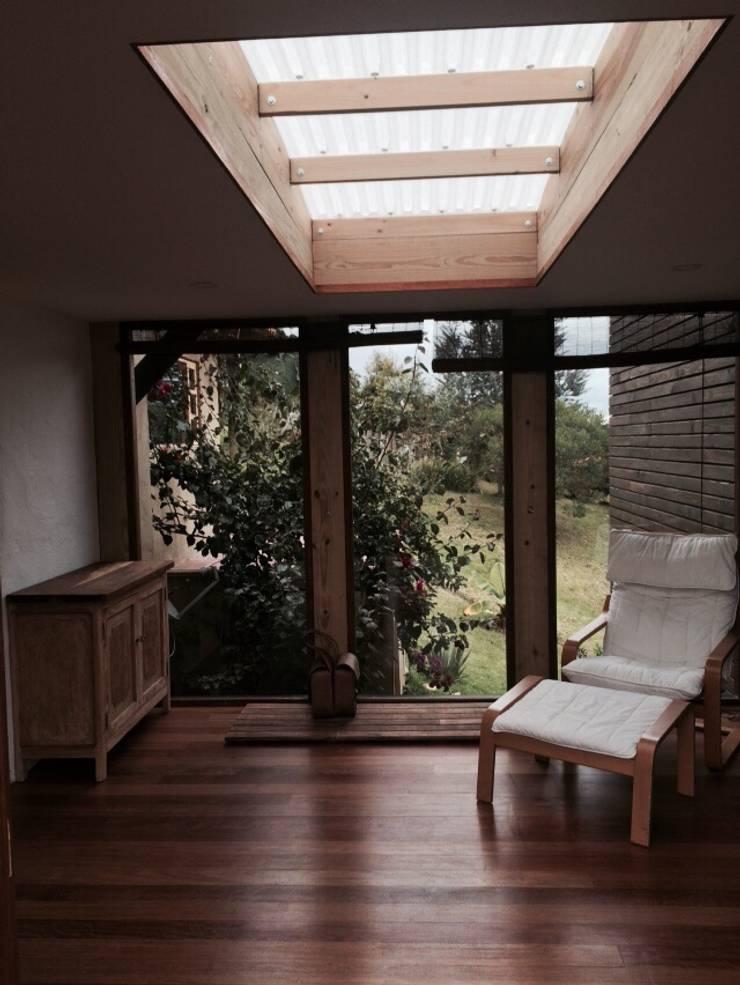casa infinito: Casas de estilo  por CPM
