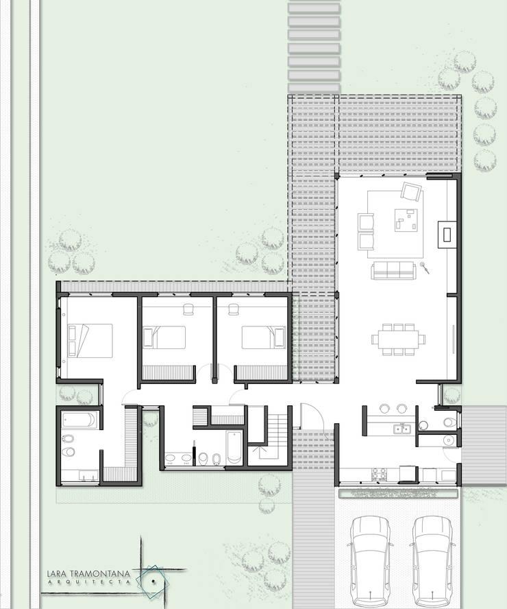Planta : Casas unifamiliares de estilo  por LT/Arquitectura